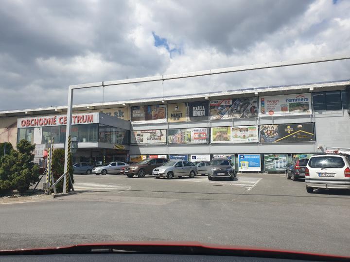 Obchodné centrum L&Š