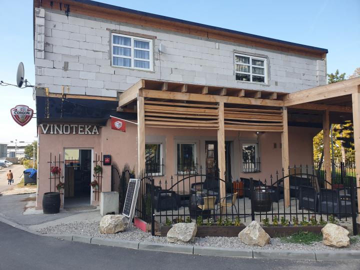 Bana Pub - Bar, Vinoteka